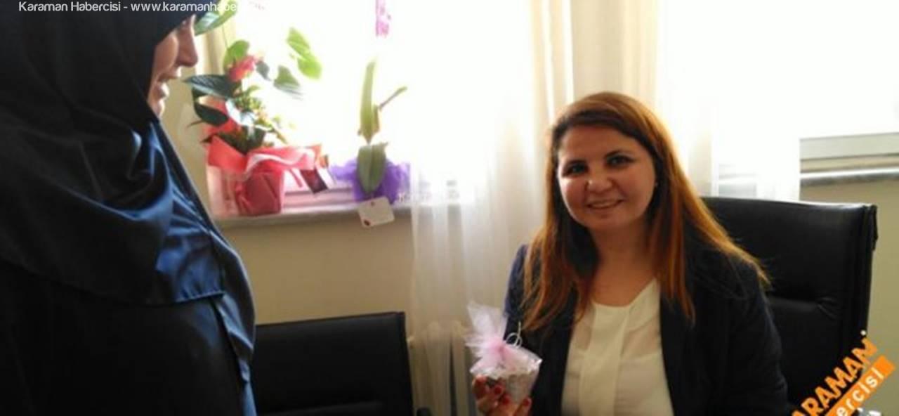Saadet Partisi Kadın Kolları 14 Mart Tıp Bayramı İçin Doktorları Ziyaret Etti