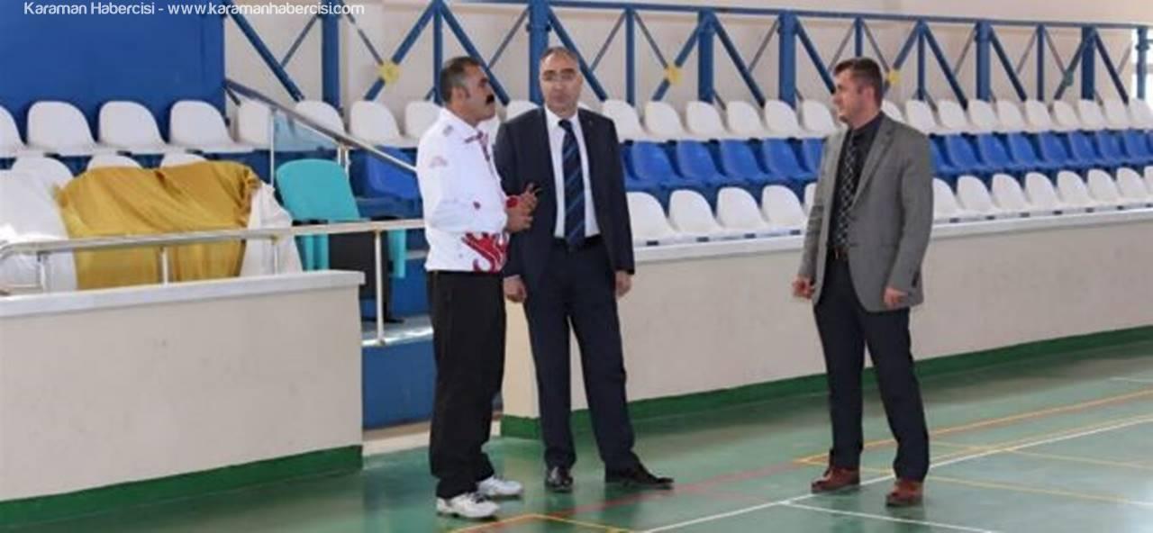 Kazımkarabekir İlçe Spor Salonu'nda Çalışmalar Devam Ediyor