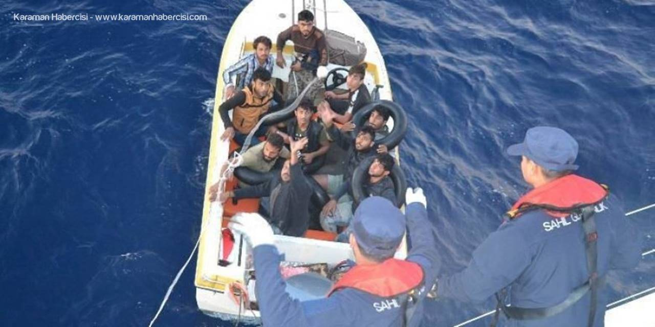 Denize Açılan Göçmenleri Sahil Güvenlik Kurtardı