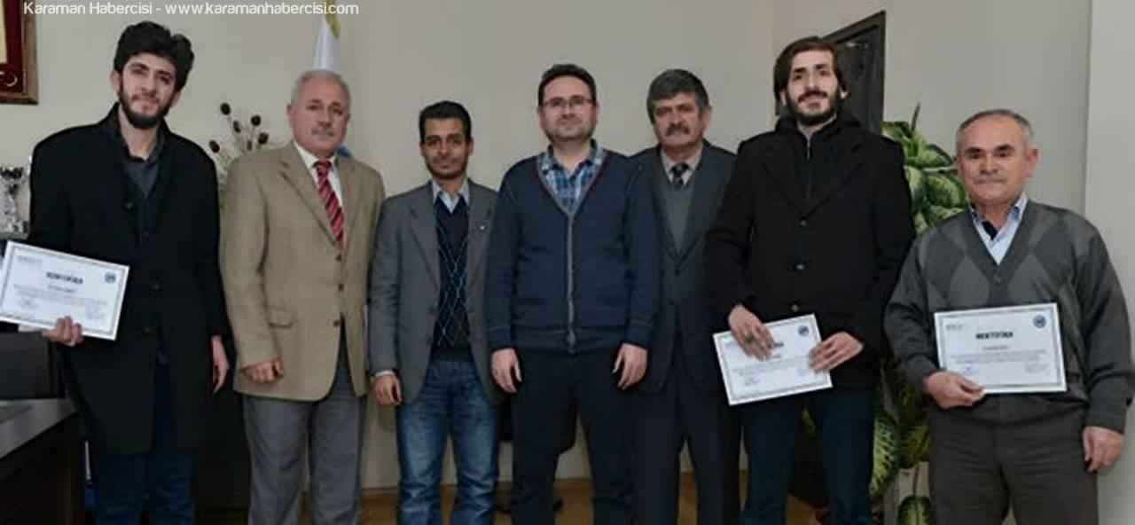 Üniversitedeki Arapça Kursiyerleri Sertifikalarını Aldılar