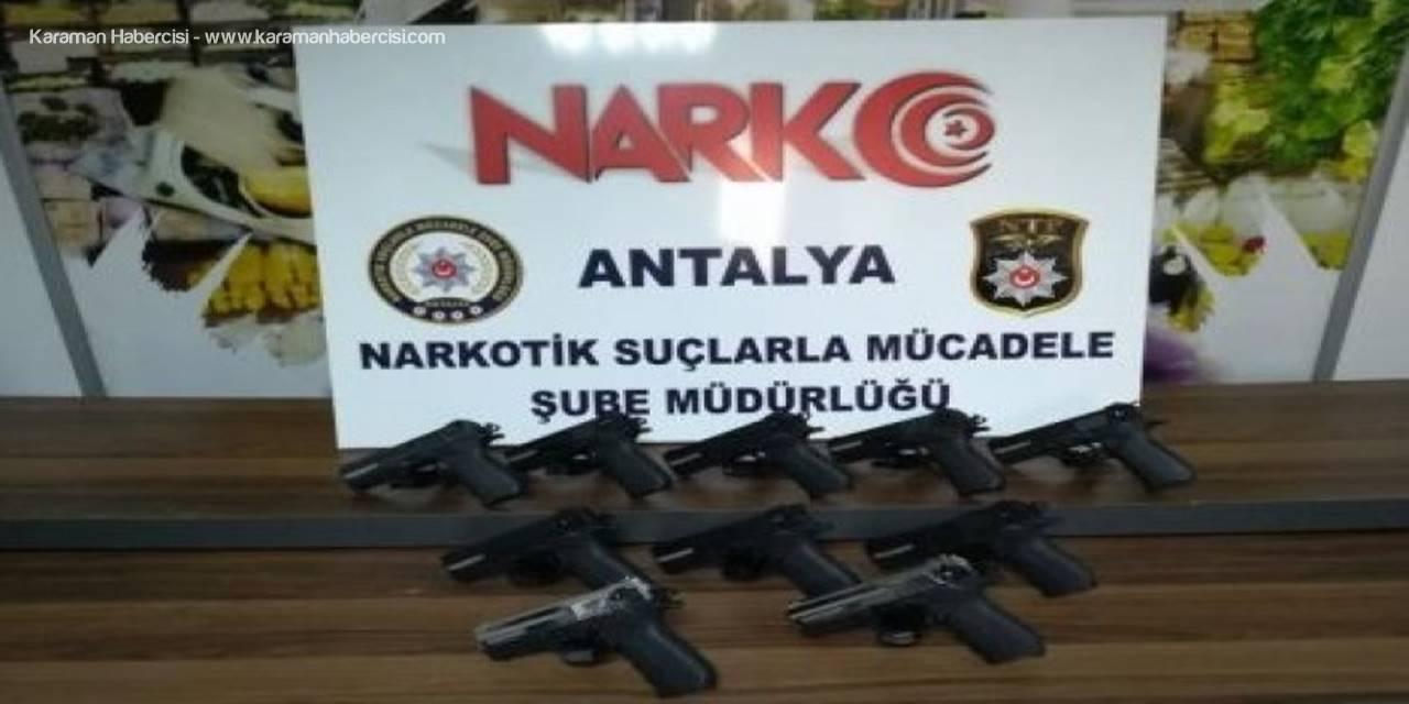 Antalya'da Ruhsatsız Silah Operasyonu