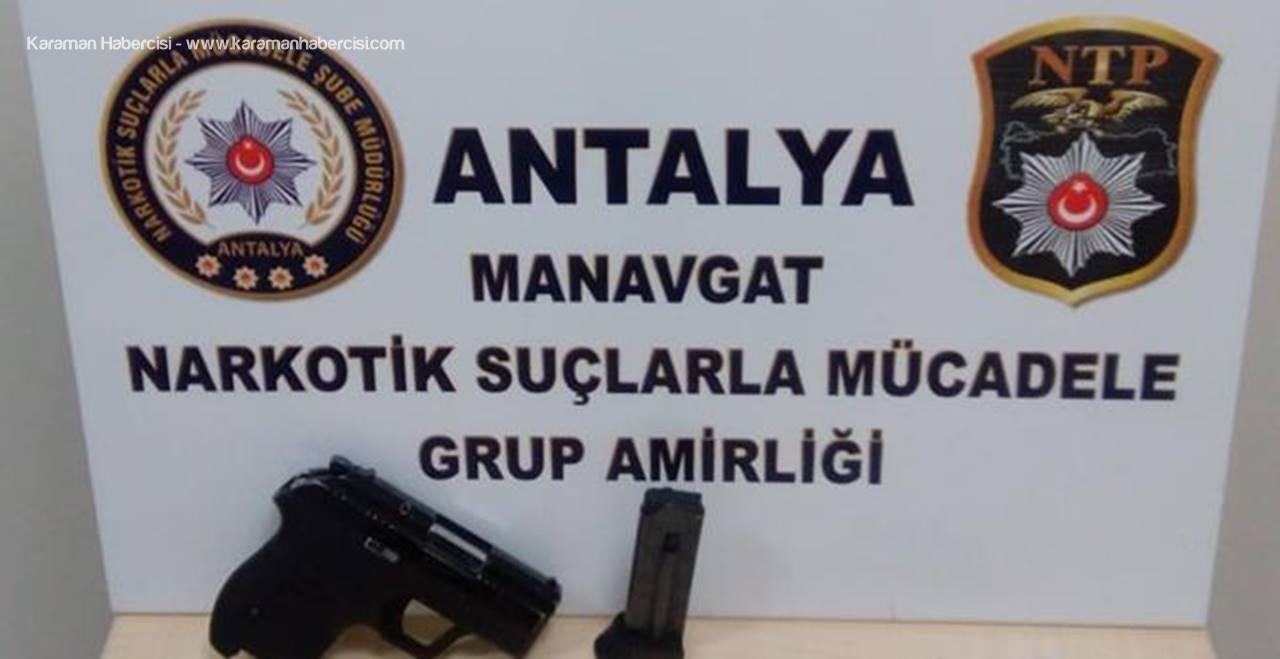 Antalya'da Polis Uyuşturucu Ve Ruhsatsız Silah Ele Geçirdi