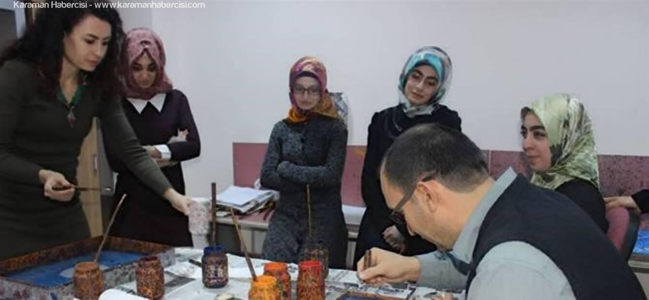 Karaman'da Ustasından Ebru Dersleri
