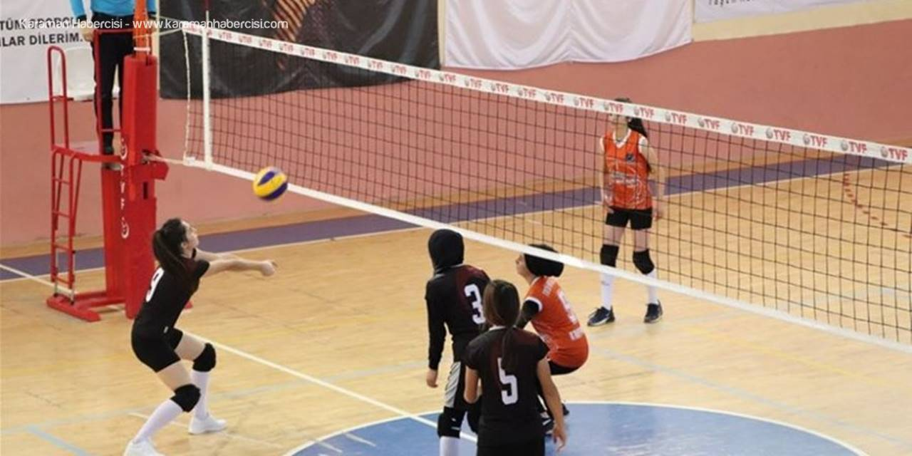 Karaman'da Voleybol Finali Heyecanı