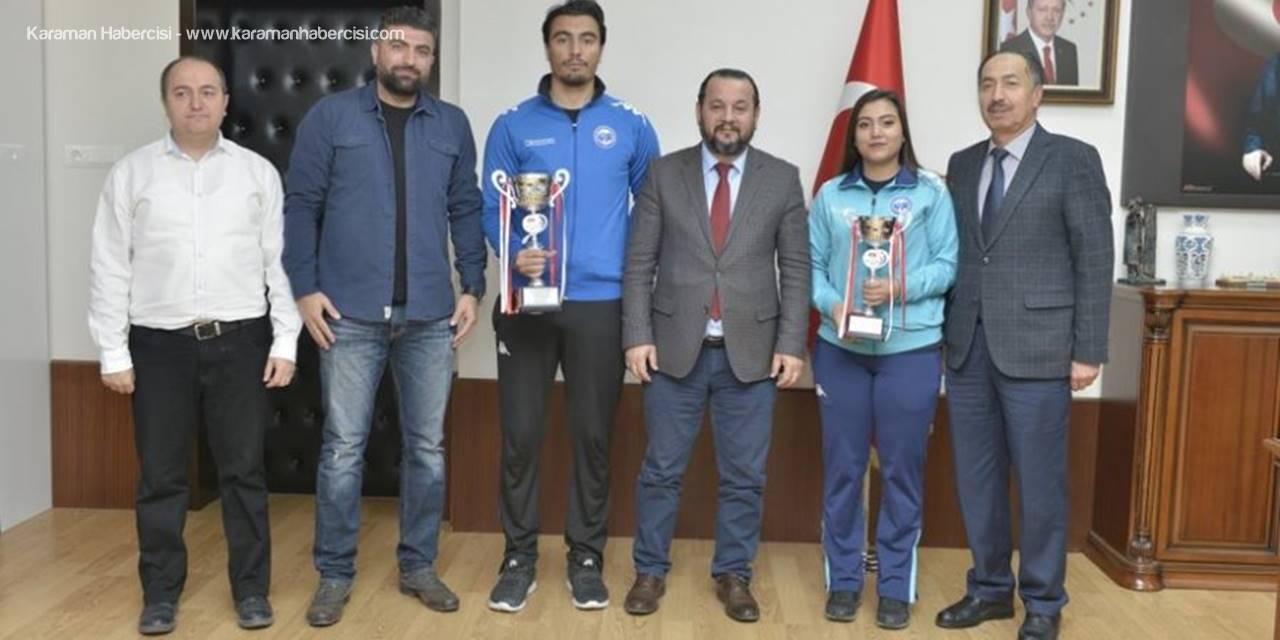 Antalya'da Düzenlenen Müsabakalardan Kupa İle Dönen KMÜ öğrencilerini Mehmet Akgül Tebrik Etti