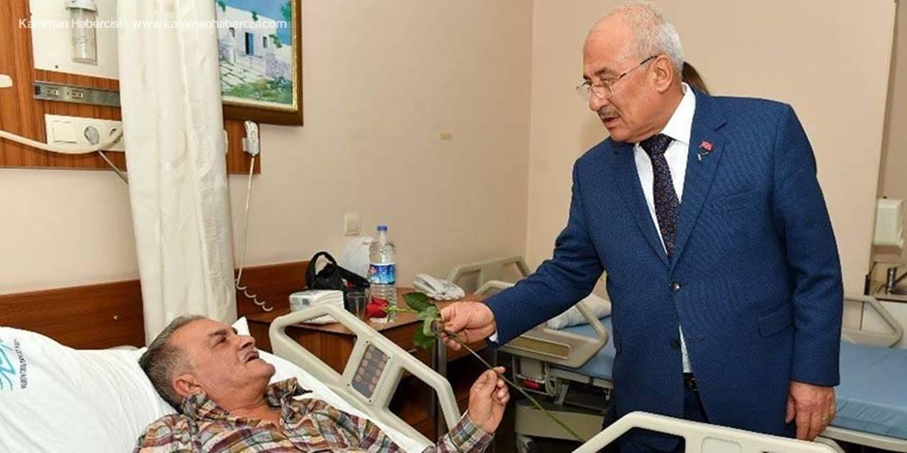 Mersin Büyükşehir Belediye Başkanı Burhanettin Kocamaz, Yeni Yılda Hastaları Ziyaret Etti