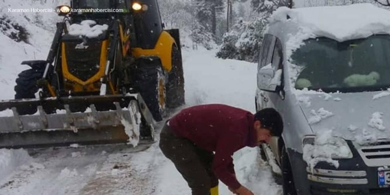 Mersin'de Belediye Ekipleri, Karla Kapanan Yolları Açmak İçin 24 Saat Esasına Göre Çalışıyor
