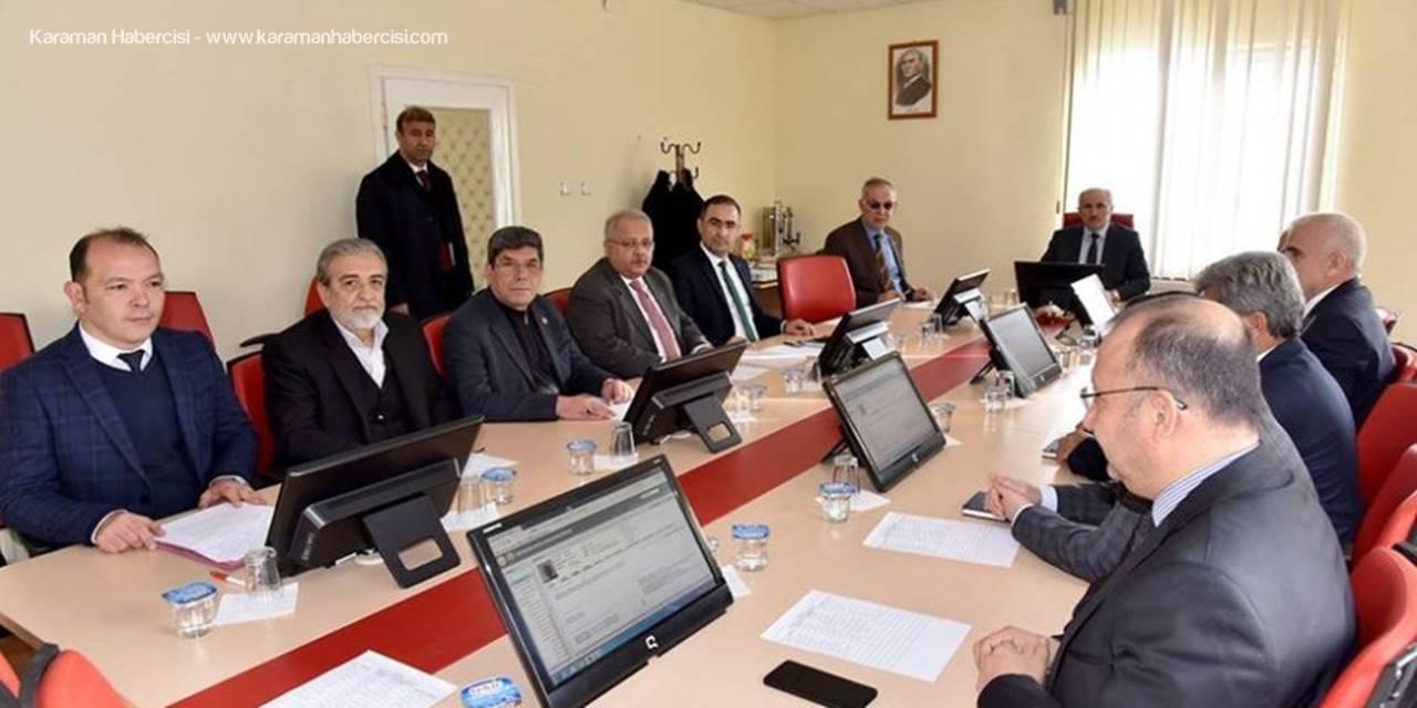 Karaman Valisi Fahri Meral Sosyal Yardımlaşma ve Dayanışma Vakfı Mütevelli Heyeti Toplantısına Katıldı
