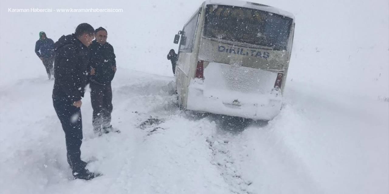 Niğde'de Karda Mahsur Kalan Öğretmenler Kurtarıldı
