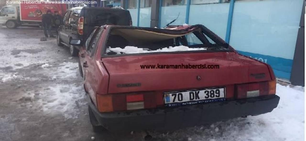 Çatıdan Düşen Kar Kütlesi Arabayı Çökertti