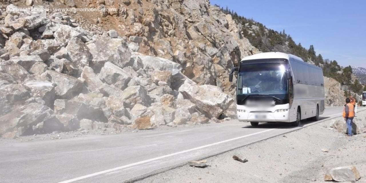 Yuvarlanan Kayalar, Konya-Antalya Karayolunu Kapadı