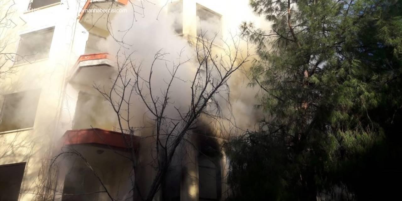 Antalya'da Boş Dairede Yangın