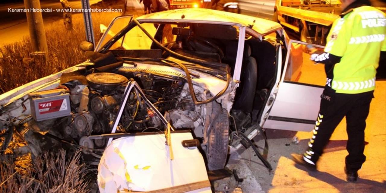Konya'da Ağaca Çarpan Araçta Sıkışan Sürücüyü İtfaiye Kurtardı