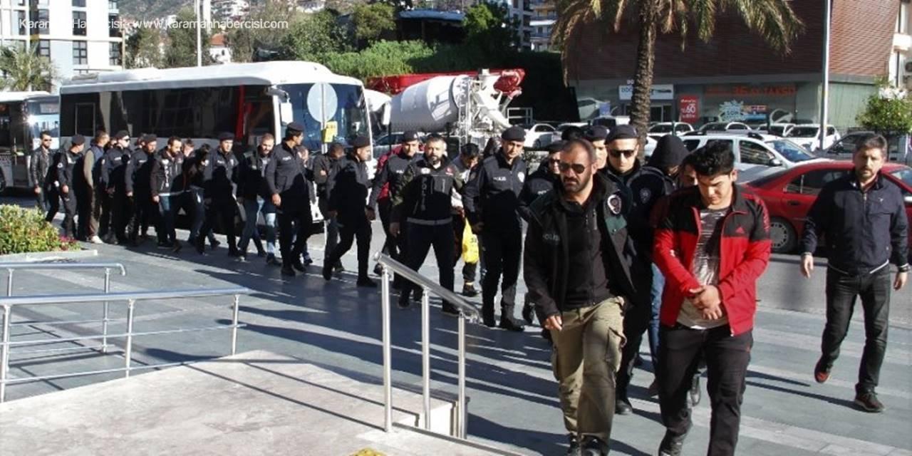 Antalya'da Torbacı Operasyonu: 16 Tutuklama