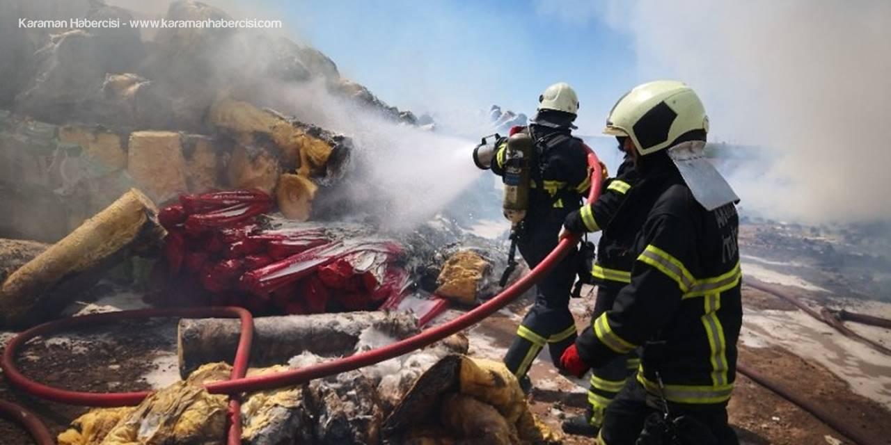 Aksaray'da İnşaat Malzemesi Deposunda Yangın