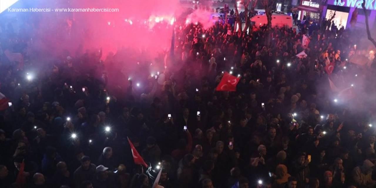 Niğde'de Seçim Sonucu Kutlamaları