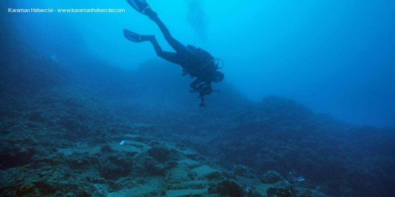 Antalya'da Dünyanın 3600 Yıllık En Eski Ticaret Gemisi Batığı Bulundu
