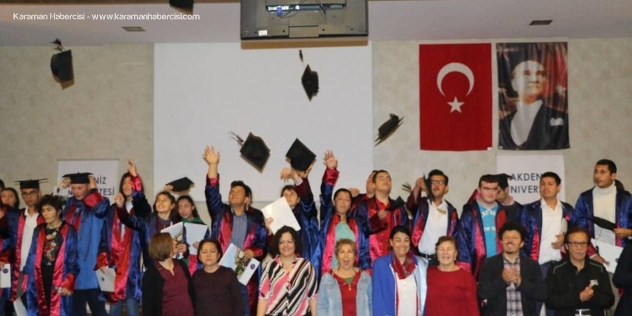 Antalya'da Engelli Gençlerin Mezuniyet Sevinci