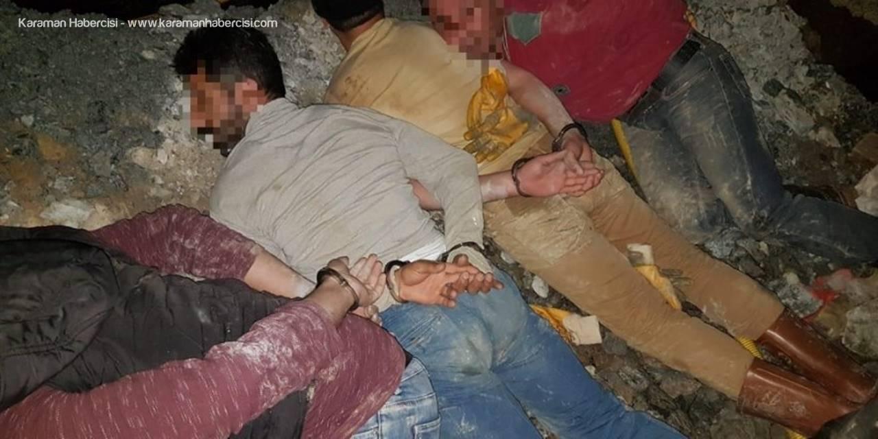 Mersin'de Kaçak Kazı Yapan 8 Kişi Suçüstü Yakalandı