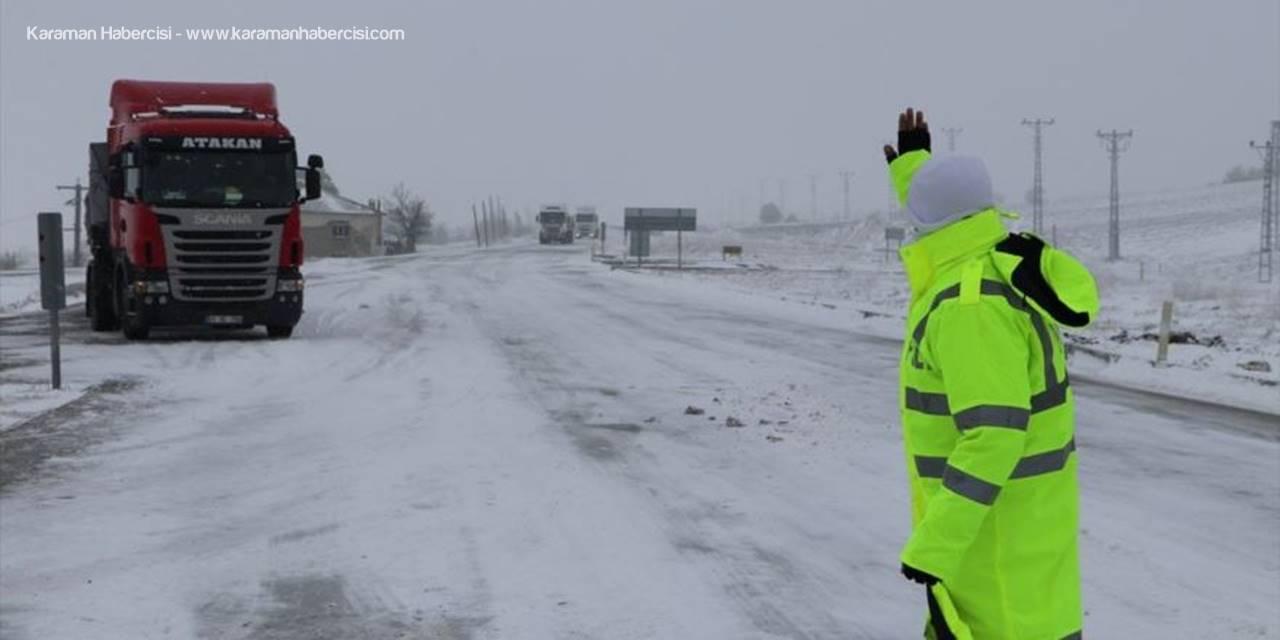 Karaman-Mersin Kara Yolunda Kar Yağışı Etkisini Gösterdi