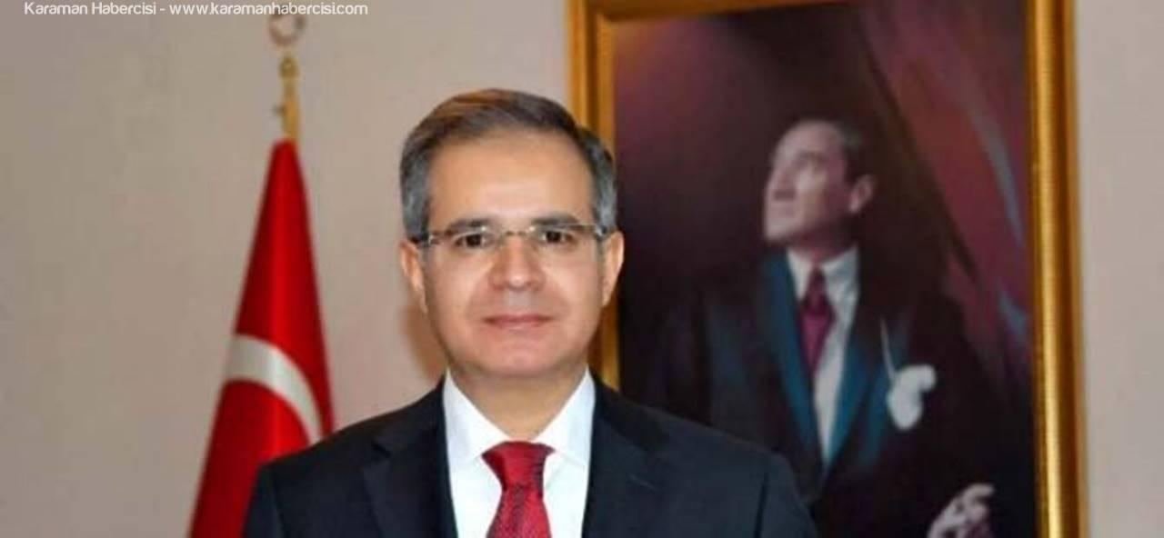 Vali Tapsız Halkımızı Demokrasi Şehitlerine Sahip Çıkmaya Davet Ediyor