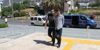 Antalya'da 1,5 Kilo Esrarla Yakalanan Şüpheli Tutuklandı