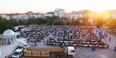 Karaman'da İftar Sofrası Kır Mahallesinde Kuruldu