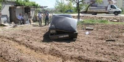 Konya'da Ağaca Çarpan Otomobil Devrildi: 3 Yaralı