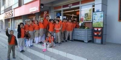 Konya'da Öğrenciler İhtiyaç Sahiplerine Yardım Eli Uzattı
