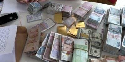 Antalya ve Mersin'de Polisin Elini Attığı Yerden Altın, Para ve Silah Çıktı
