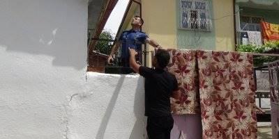 Karaman'da Güvercini Yakalamak İsteyen Genç Korkuluğun Üzerine Düştü