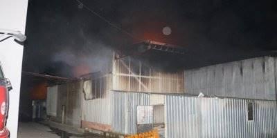 Tarsus'da Bisiklet Fabrikasında Yangın Çıktı