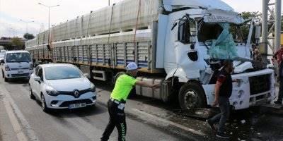Eskişehir'de 6 Aracın Karıştığı Kazada 2 Kişi Yaralandı