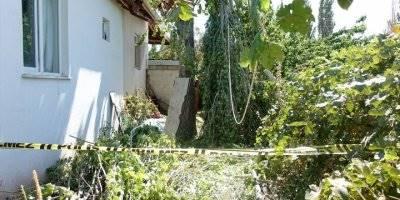 Kestiği Kavak Ağacının Dallarına Başı Sıkışan Kişi Öldü