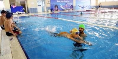 Bağcılar'da Öğrencilere Ücretsiz Havuz İmkanı