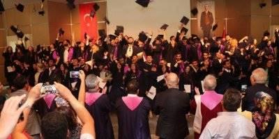 Hacettepe Aso 1. Osb Meslek Yüksekokulu'nda Mezuniyet Sevinci
