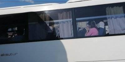 Antalya'nın Manavgat İlçesinde Tur Midibüsü Tur Otobüsüne Arkadan Çarptı