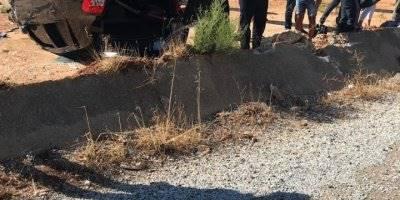 Antalya'nın Kaş İlçesinde Lastiği Patlayan Askeri Araç Takla Attı