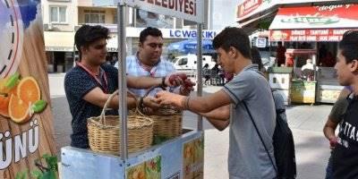Tarsus Belediyesi Sağlık İşleri Müdürlüğü, Dünya Gıda Gününde Stant Açtı