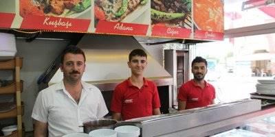 Usta Aşçı Mustafa Büyükparmaksız Öz Döner İşletmesini devraldı
