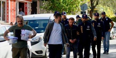 Eskişehir'de Banka Kartlarını Kopyalayan 3 Dolandırıcılık Şüphelisi Yakalandı