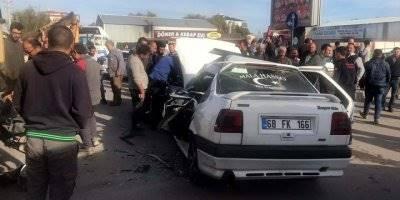Aksaray'da Kamyon İle Otomobil Çarpıştı: 5 Yaralı