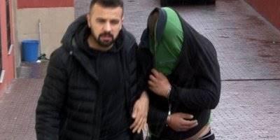 Yakalanacaklarını Anladılar, Polise Demir Çubuk Ve Levye İle Saldırdılar