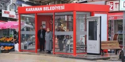 Belediyeden Duyarlı Davranış: Belediye İşhanı Karşısına Kapalı Otobüs Durağı Yapıldı