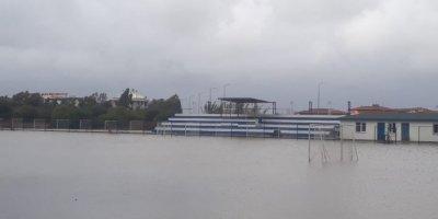 Antalya'da Futbol Sahası Göle Döndü