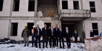Karaman'da  Yeni Sağlık Kompleksi Hızla Yükseliyor