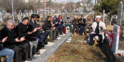 Gazeteci Mahmut Sabah, Mezarı Başında Anıldı