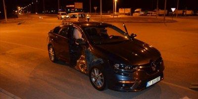 Aksaray'da Hafif Ticari Araç İle Otomobil Çarpıştı: 8 Yaralı
