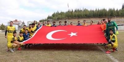 Konya'da Futbolcular Sahaya Mehmetçik İçin Çıktı