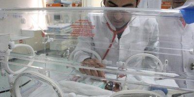 İdlib'ten Gelen Suriyeli Kadın 6 Bebek Dünyaya Getirdi